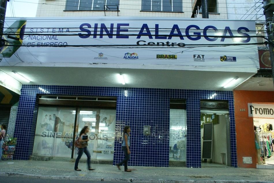 falta de padronizacao do uso do logo sine no Brasil