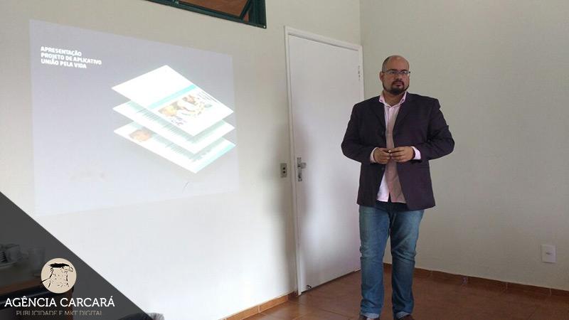 Criação de App e Desenvolvimento de aplicativos mobile para empresas, marcas e startups em Brasília é com a Agência Carcará.