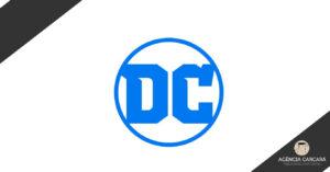 DC Comics muda seu logo mais uma vez. Agora apenas com as letras DC, como já foi no passado, o logo busca universalizar outras mídias e não apenas os quadrinhos.