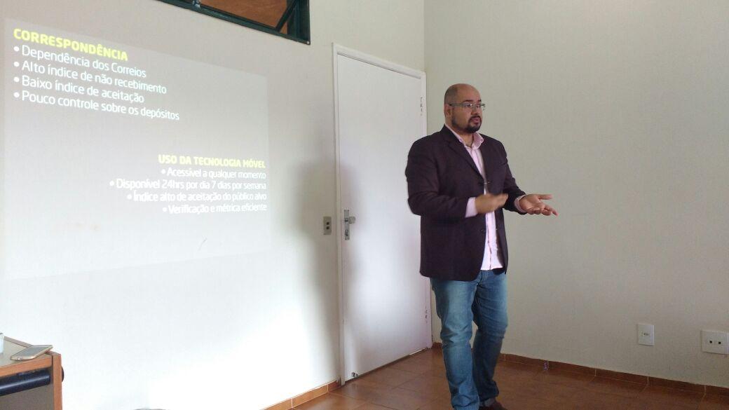 Palestra que apresenta as vantagens do uso do aplicativos móvel na captação de recursos financeiros em ações sociais da Rede Salesiana.