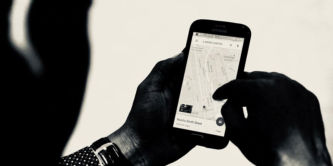 O Google Maps é um serviço de pesquisa e visualização de mapas e imagens de satélite do Planeta Terra disponibilizado de maneira gratuita na web fornecido e desenvolvido pela empresa Google.